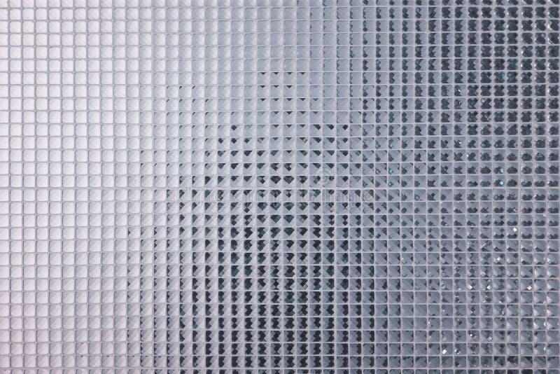 瓦片的银色马赛克样式 墙壁用彩色玻璃小板材、美丽的马赛克墙壁或者陶瓷墙壁装饰 图库摄影