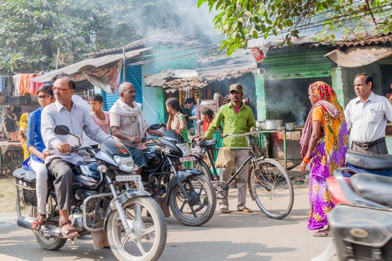 瓦腊纳西,印度- 2016年10月25日:街道交通在瓦腊纳西,Ind看法  图库摄影