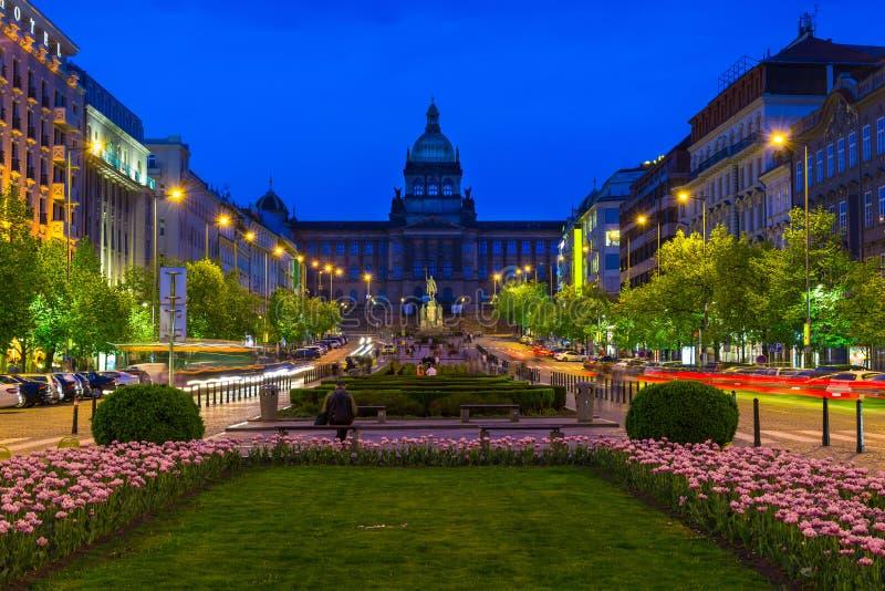 瓦茨拉夫广场和国家博物馆在布拉格,捷克 图库摄影