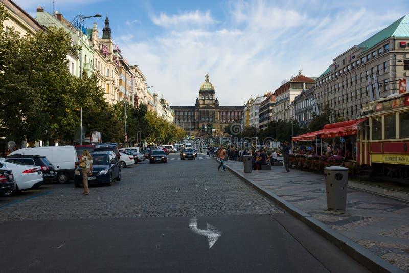 瓦茨拉夫广场的游人 库存图片