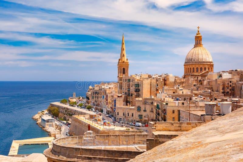 瓦莱塔,马耳他圆顶和屋顶  库存照片
