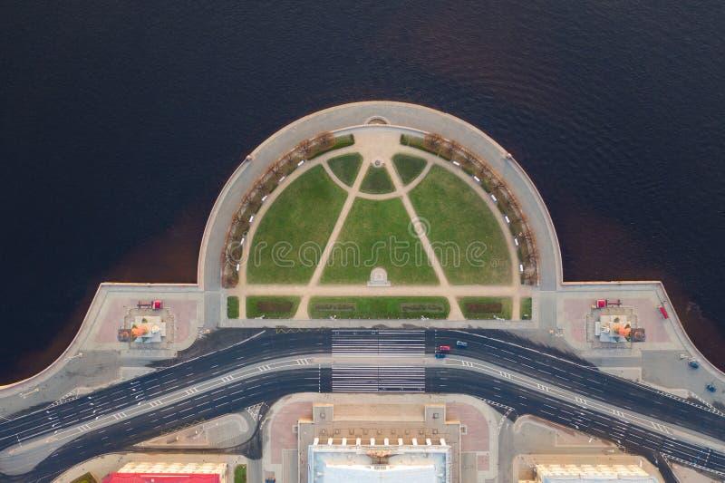 瓦西里岛唾液  E Neva? 彼得斯堡夏天视图  r 免版税库存图片