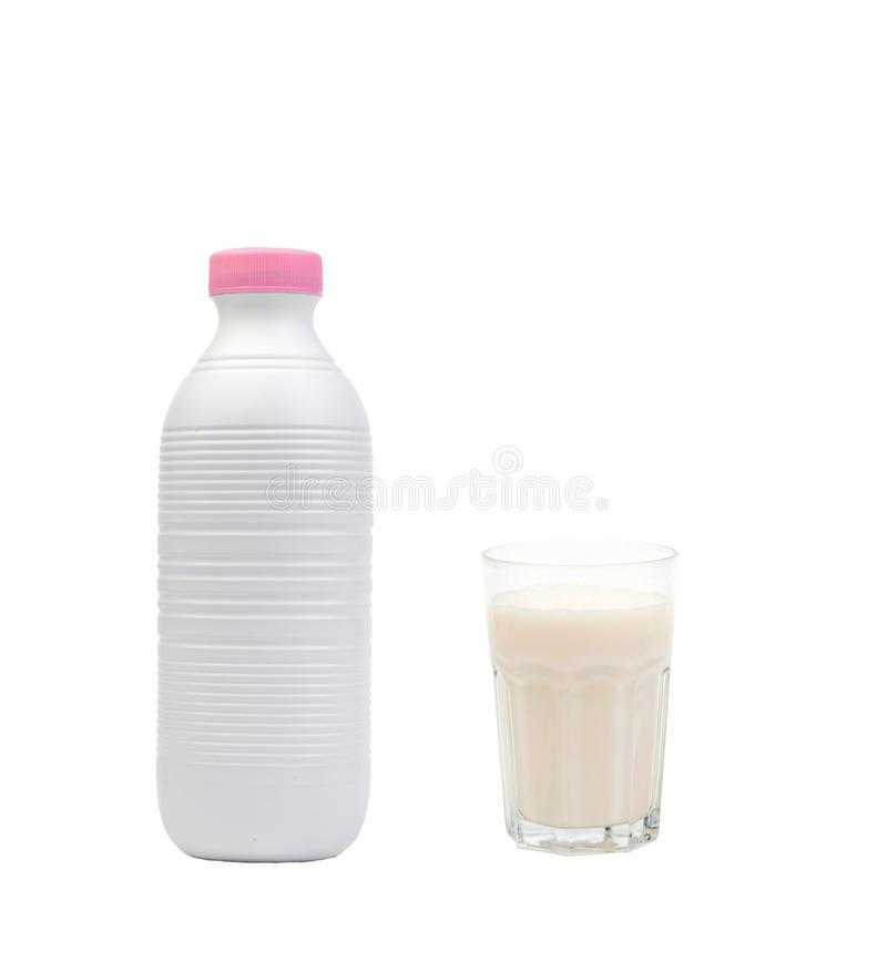 瓶与一块充分的玻璃的牛奶 库存图片