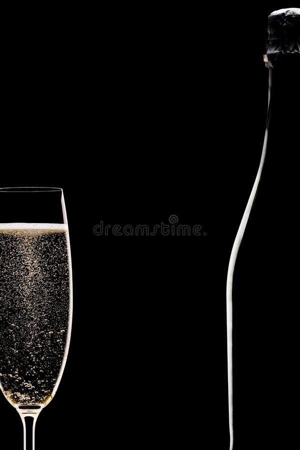 瓶充分香槟槽 免版税库存照片