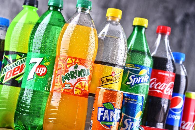 瓶全球性软饮料品牌 免版税图库摄影