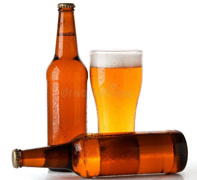 瓶和杯啤酒 库存照片
