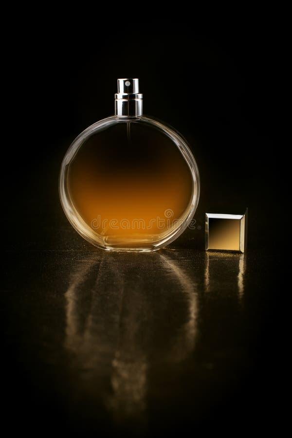 瓶图画例证滤网香水向量 库存图片