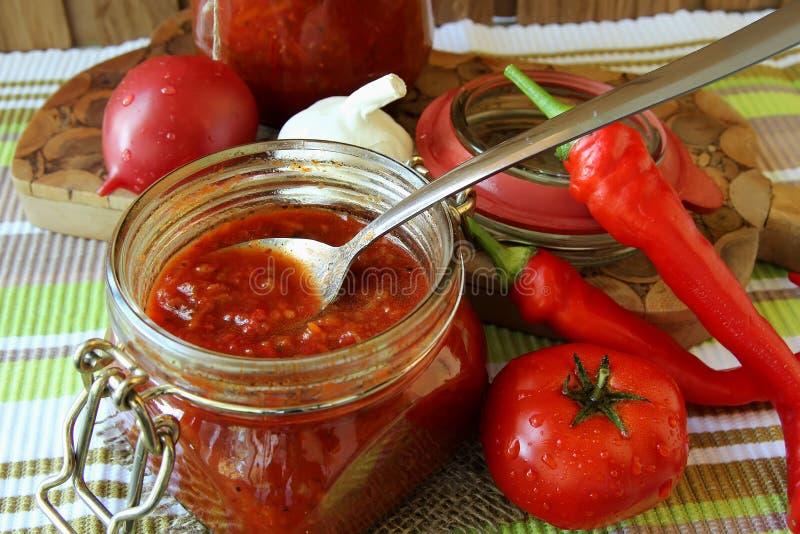 瓶子番茄酱 免版税库存图片