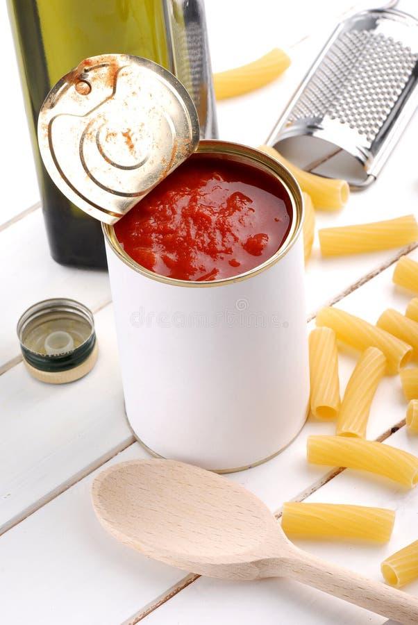 瓶子调味汁蕃茄 免版税库存图片