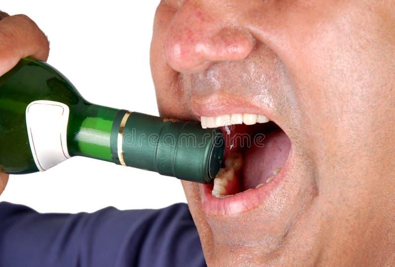 瓶开放酒 免版税库存照片