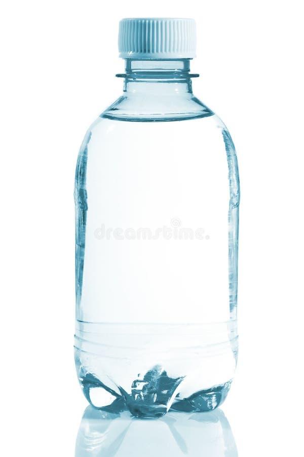 瓶清楚的水 库存图片