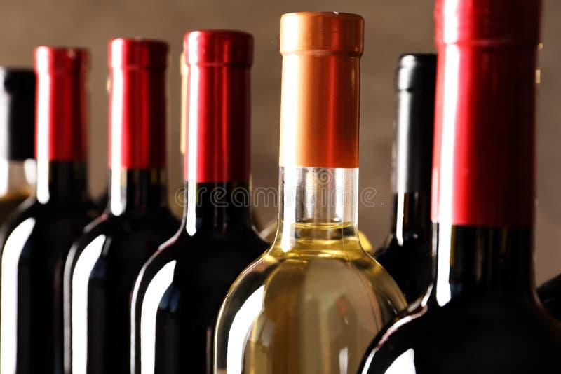 瓶用可口酒,特写镜头 免版税库存图片