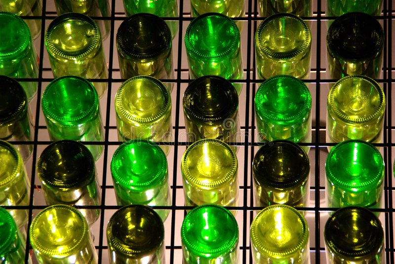 瓶矩阵墙壁酒 库存照片