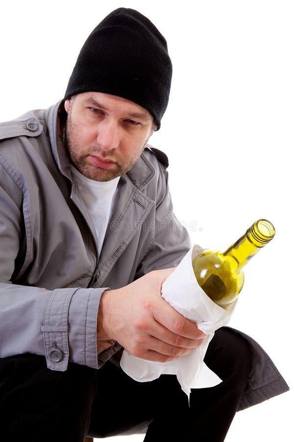 瓶空的无家可归的男性流浪者 免版税图库摄影