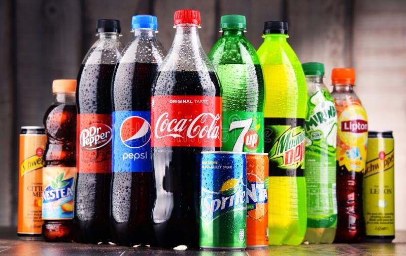 瓶被分类的全球性软饮料 库存图片