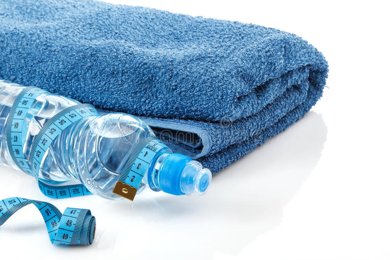 瓶水和措施磁带 免版税库存照片