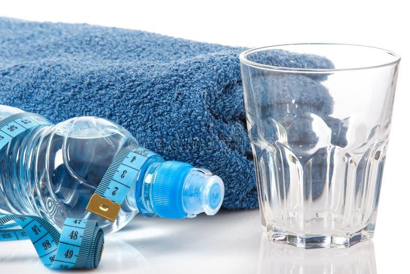 瓶水和措施磁带 库存图片