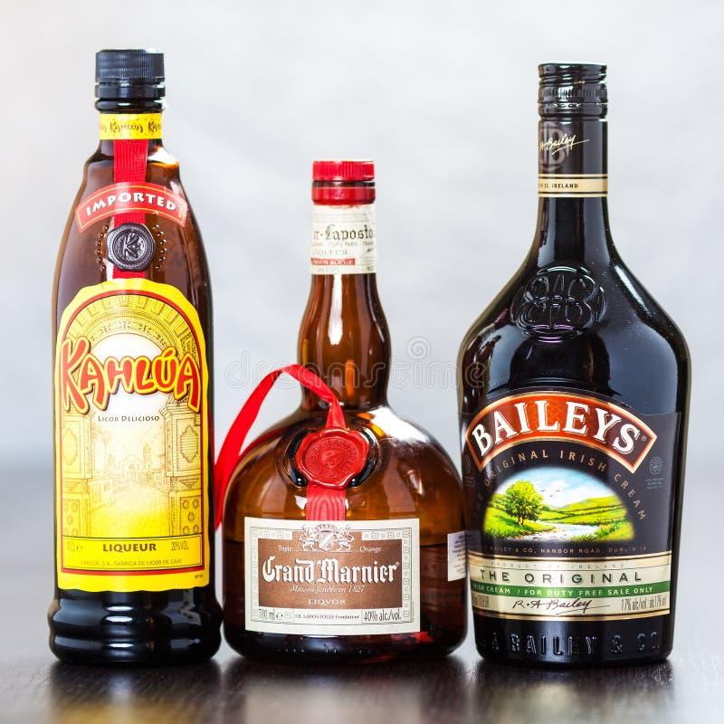 瓶Kahlua、大马尼亚和贝里的 库存照片