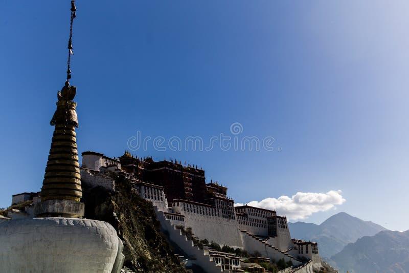 瓷全部拉萨宫殿potala西藏 西藏,中国 免版税库存图片