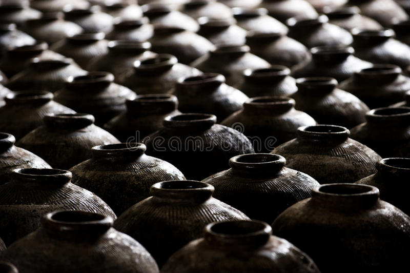 瓷土瓶子 库存照片