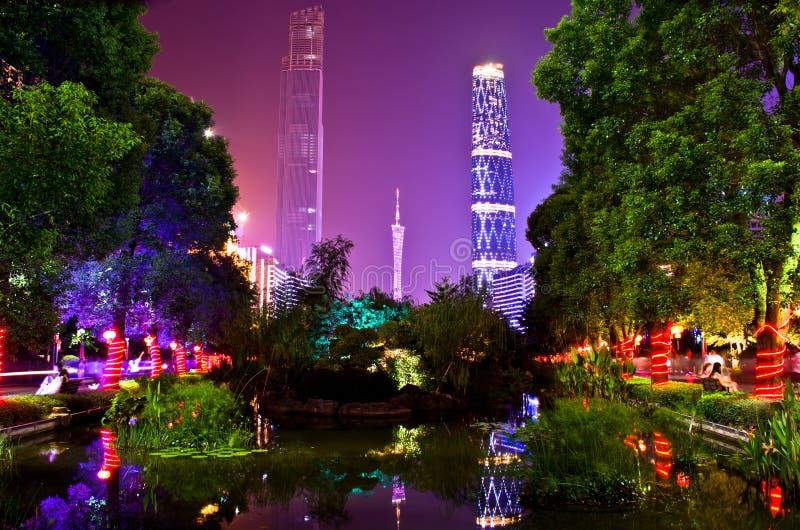 瓷城市guanghzou晚上场面 免版税库存图片