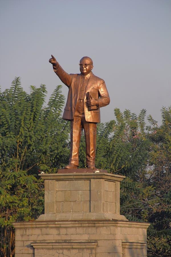 瓷广东广州博士省statue sun yat参议员 Babasaheb Ambedkar,浦那大学,浦那 库存照片