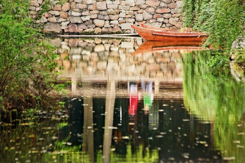 瓷庭院反映苏州 图库摄影