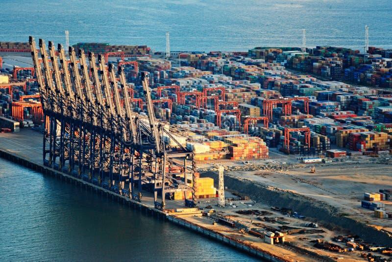 瓷日港口端口yantian深圳的视图 免版税库存照片