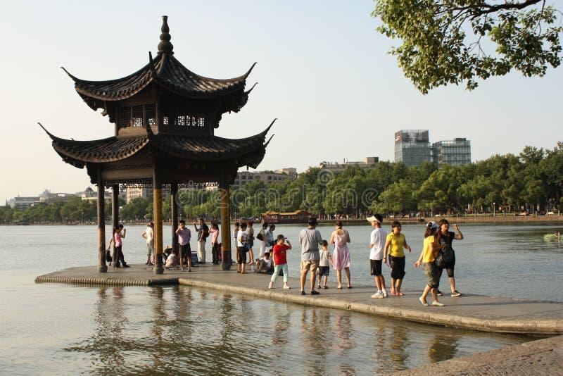 瓷杭州西方湖的亭子 免版税库存图片