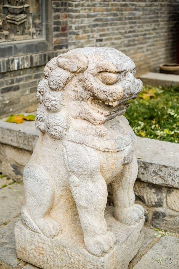 瓷石狮子 库存照片