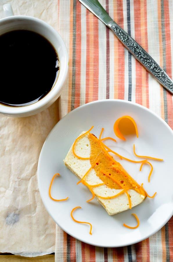 甜乳脂状的布丁用酸奶干酪和南瓜蛋白牛奶酥 库存照片