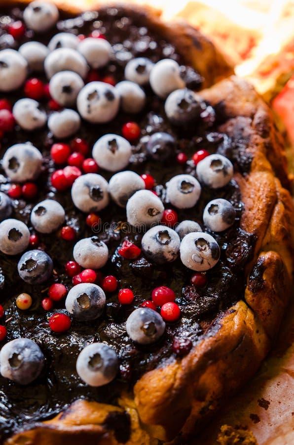 甜乳酪蛋糕用欧亚甘草和果子 免版税库存照片