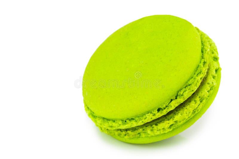 甜和五颜六色的法国蛋白杏仁饼干或macaron在白色backgro 库存图片