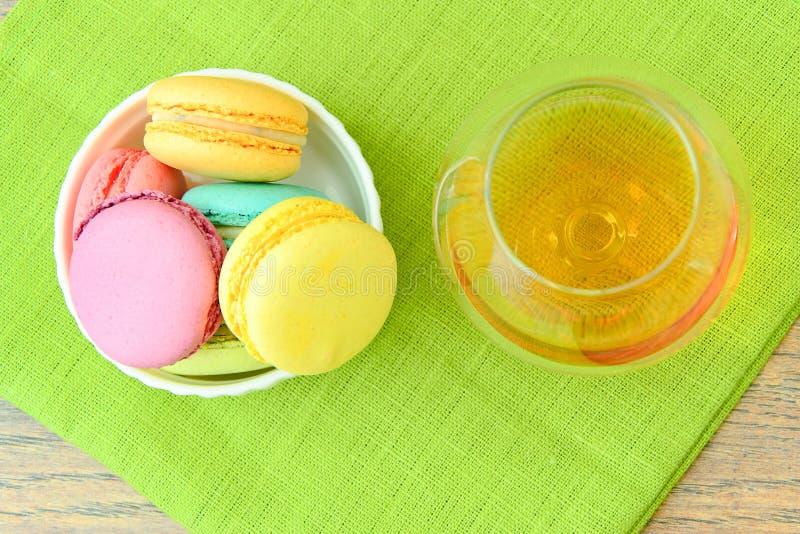 Download 甜和五颜六色的法国蛋白杏仁饼干 库存照片. 图片 包括有 夏天, 纹理, 补白, 蛋白杏仁饼干, 华伦泰 - 62531732