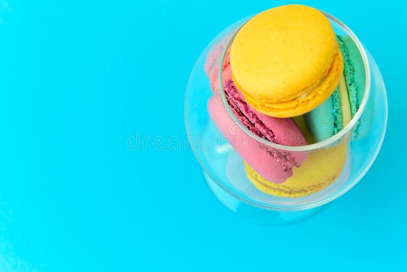 Download 甜和五颜六色的法国蛋白杏仁饼干 库存图片. 图片 包括有 艺术, 华伦泰, 薄菏, 背包, 食物, 生日 - 62531837