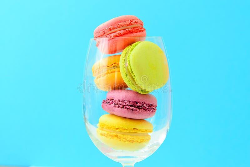 Download 甜和五颜六色的法国蛋白杏仁饼干 库存图片. 图片 包括有 华伦泰, 欢乐, 巧克力, 春天, 减速火箭, 纹理 - 62531931