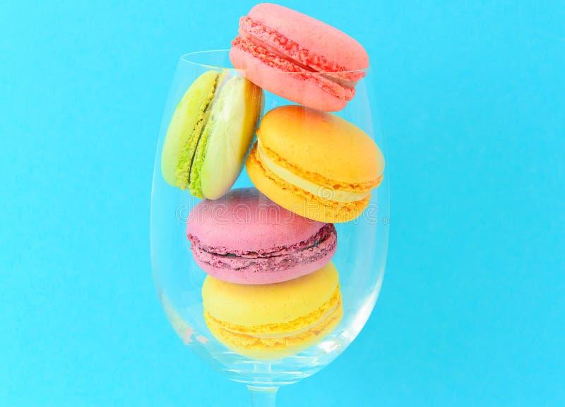 Download 甜和五颜六色的法国蛋白杏仁饼干 库存图片. 图片 包括有 五颜六色, 食物, 淡色, 庆祝, 减速火箭, 蛋白杏仁饼干 - 62531999