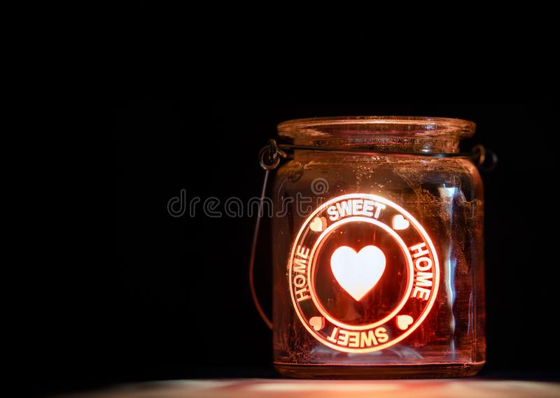 甜家庭蜡烛瓶子 免版税库存照片