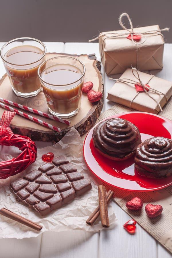 甜巧克力卷用咖啡 库存图片