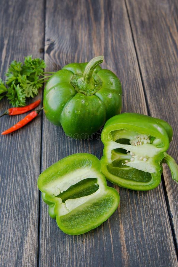 Download 甜椒被分类的五颜六色的品种 库存照片. 图片 包括有 健康, 上色, 有机, 成份, 自然, 绿色, 胡椒 - 72352942