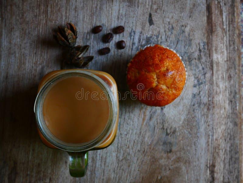 甜椰树牛奶 库存图片