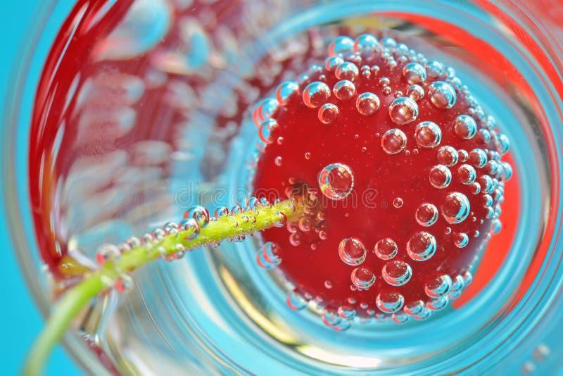 甜樱桃和泡影 免版税库存照片