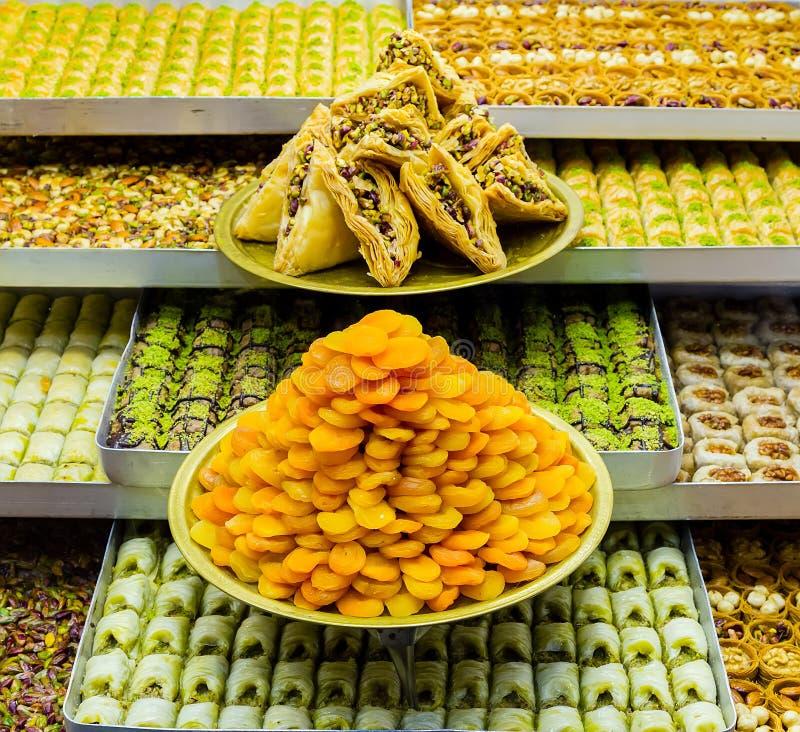 甜点传统土耳其点心果仁蜜酥饼糖果 库存图片
