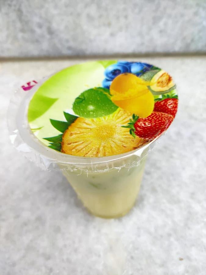 甜玉米冰汁混合牛奶。非常甜的玉米冰汁混合牛奶 库存图片