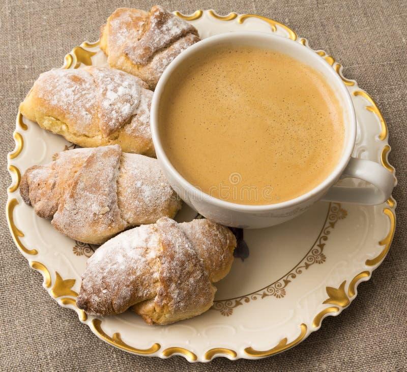 甜的咖啡面包卷 库存图片