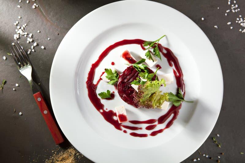 甜菜沙拉用山羊乳干酪 免版税库存图片