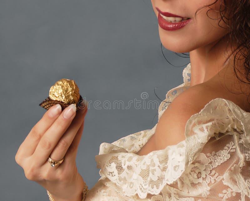 Download 甜诱惑 库存照片. 图片 包括有 妇女, 巧克力, 肩膀, 女孩, 嘴唇, 诱惑, 红色, 聘用, 夫人 - 62010
