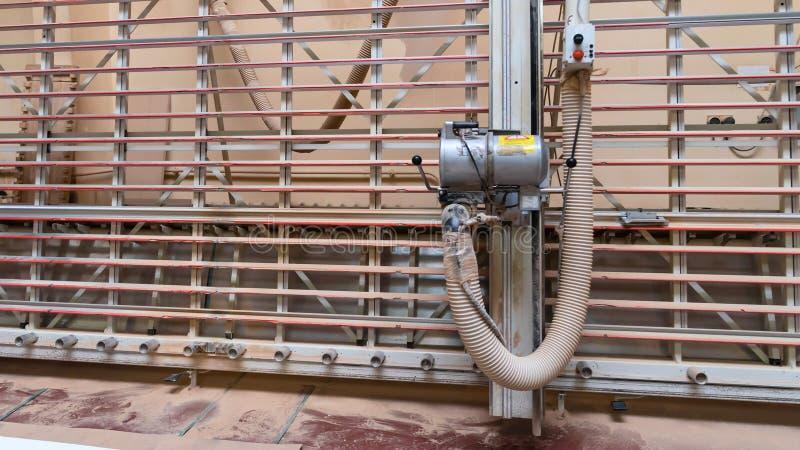 生产、制造和木材加工产业概念woodwo 免版税库存照片