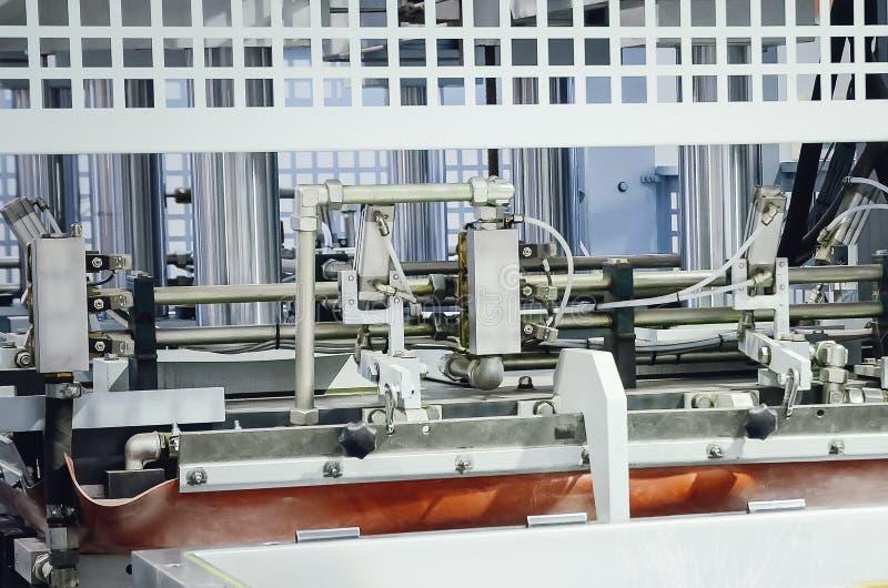 生产机器在家具工厂 免版税库存照片