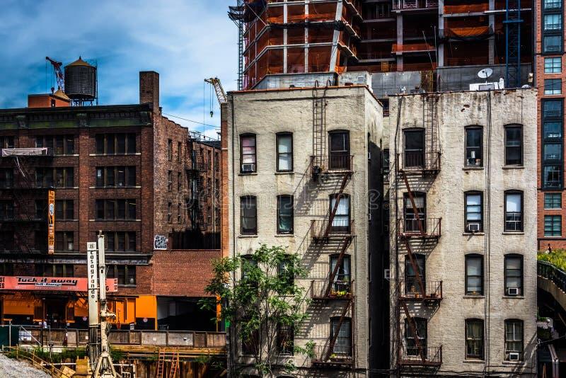 从生产线上限看见的老大厦,在曼哈顿,纽约 库存图片